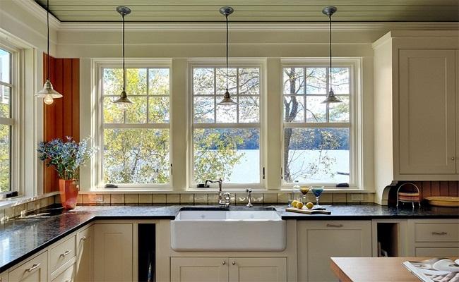 20 mẫu tủ bếp chữ L có cửa sổ đẹp tuyệt vời