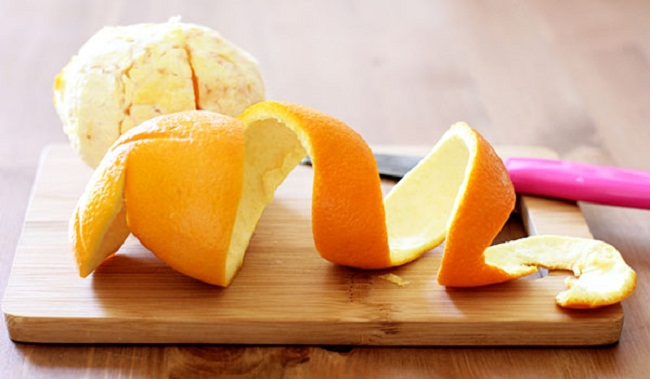 Cách diệt gián trong tủ bếp bằng vỏ cam