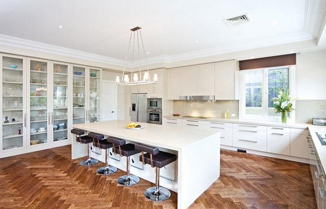 Kệ tủ bếp làm tủ trưng bày đa năng