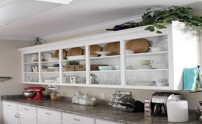 Tủ bếp treo tường thiết kế mở bằng gỗ tự nhiên