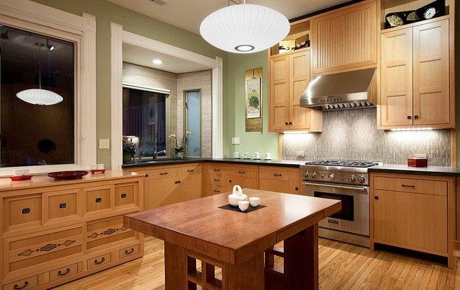 Nên đóng tủ bếp bằng gỗ gì?