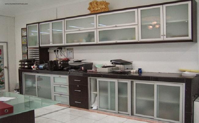 Nội thất tủ bếp nhôm kính