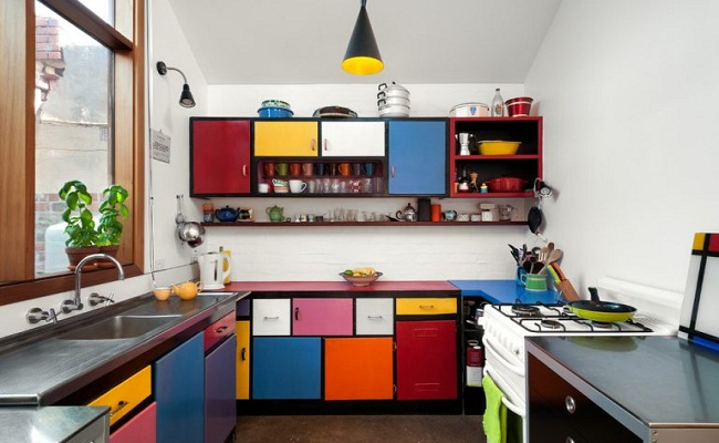 Phong cách thiết kế tủ bếp sắc màu