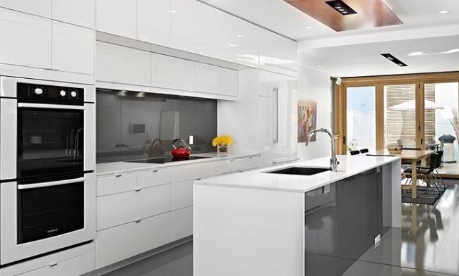 Ý tưởng thiết kế tủ bếp chung cư âm tường