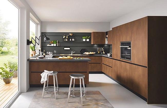 Thiết kế tủ bếp có cửa sổ lớn