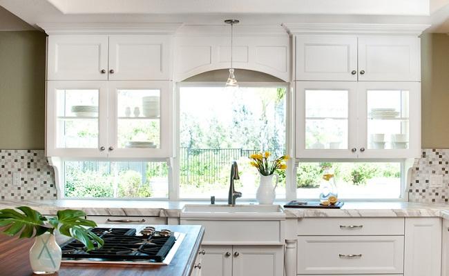 Tủ bếp vách kính
