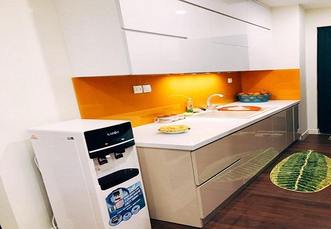 Thiết kế tủ bếp nhỏ gọn cho căn hộ của chị Linh ở IMPerial Garden Hà Nội