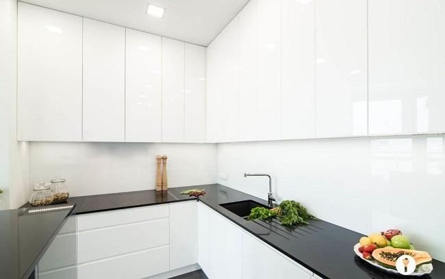 Tủ bếp Acrylic trắng