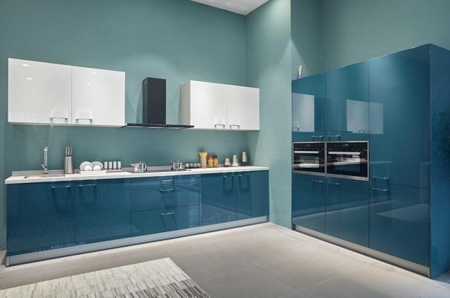 Tủ bếp Acrylic bóng gương màu xanh