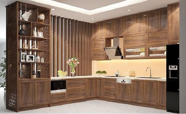 Tủ bếp chữ L gỗ tự nhiên làm vách ngăn