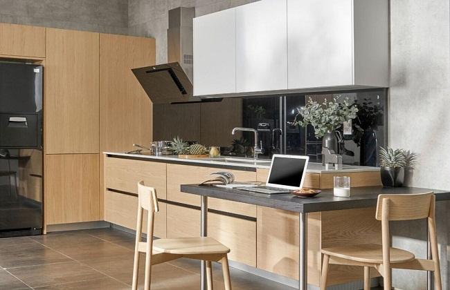 Tủ bếp gỗ dổi giá bao nhiêu?