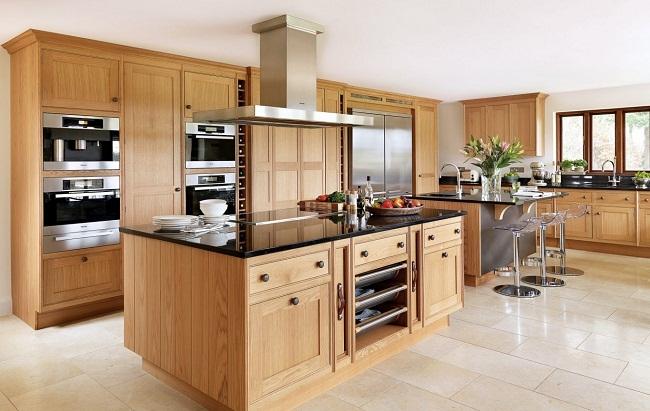 Mẫu tủ bếp gỗ sồi Nga hiện đại cho nhà lớn