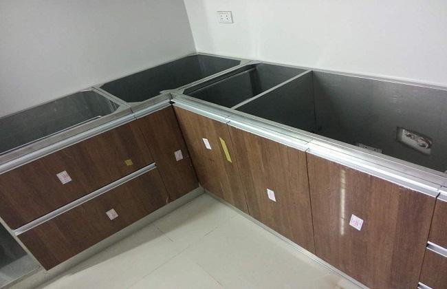 Cấu tạo tủ bếp inox cánh nhựa