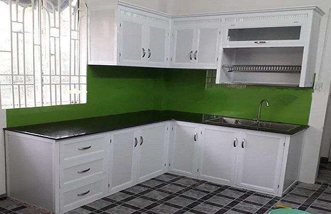 Tủ bếp nhôm kính trắng sứ cao cấp