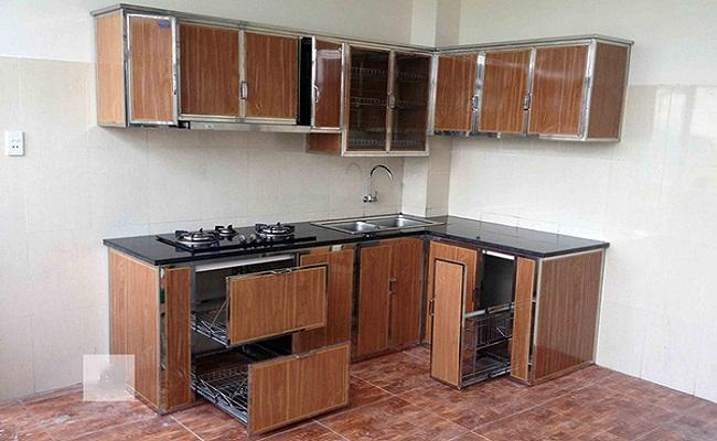 Mẫu tủ bếp nhôm kính vân gỗ cao cấp