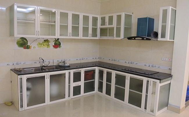 Tủ bếp nhôm kính màu trắng