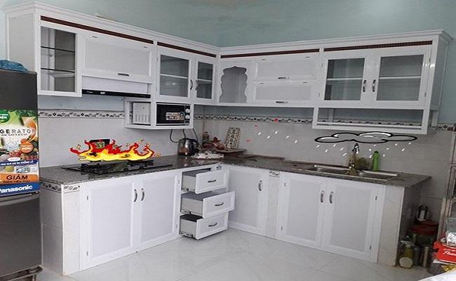 Tủ bếp nhôm kính trắng