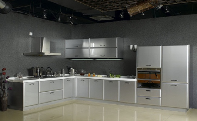 Tủ bếp làm bằng vật liệu inox